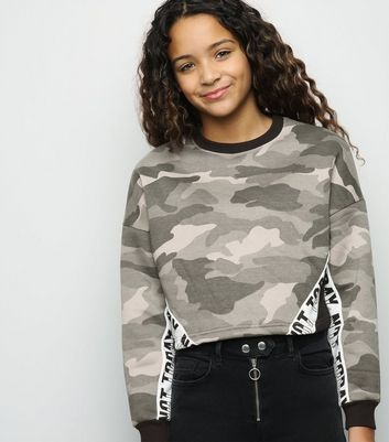 Girls - Sweat vert à motif camouflage et slogan Not Today