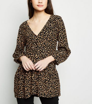 Black Abstract Spot Longline Peplum Shirt