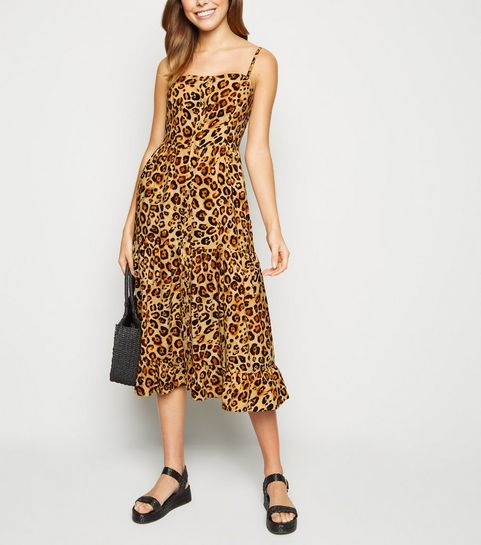 e5adbec831f ... Brown Leopard Print Tiered Midi Dress ...
