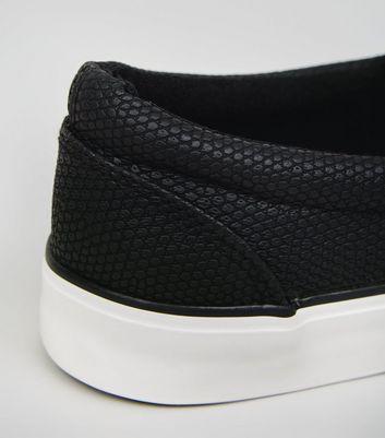 Baskets noires à effet peau de serpent | New Look