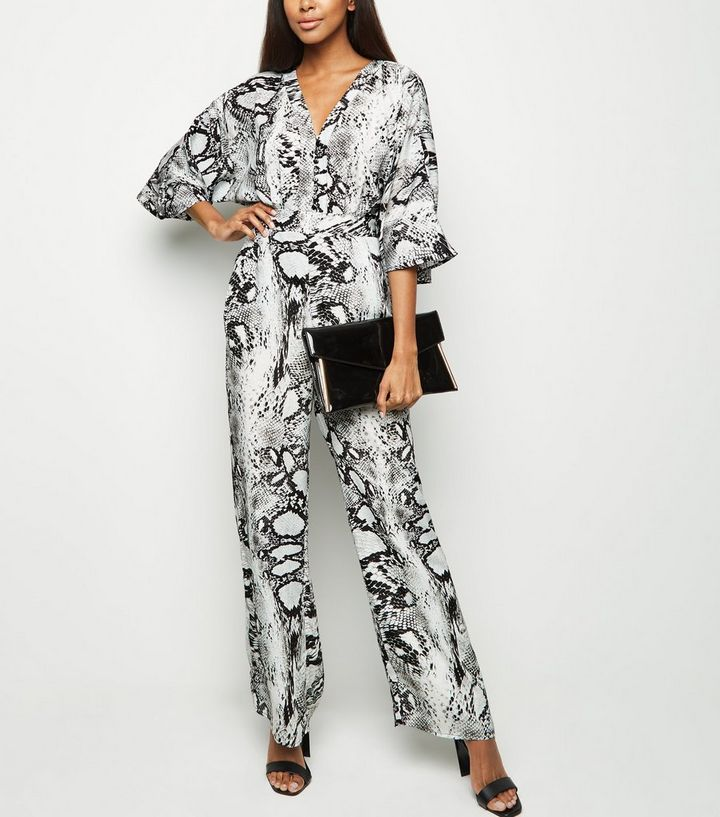 dd0f3876dd2 Blue Vanilla Black Snake Print Kimono Sleeve Jumpsuit