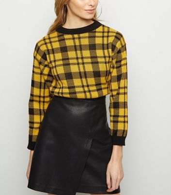 Cameo Rose Yellow Check Cropped  Jumper