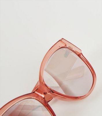 Rosa Sonnenbrille mit breiten Bügeln Für später speichern Von gespeicherten Artikeln entfernen