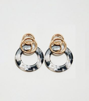 WANTED Gold Drop Link Resin Earrings