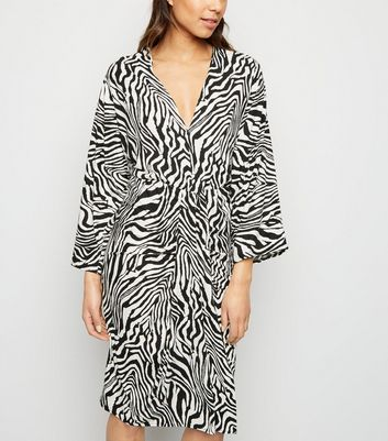 AX Paris Black Zebra Print Batwing Midi Dress