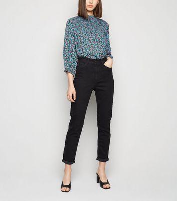 539e81caa726 Black Washed Waist Enhance Slim Mom Jeans   New Look