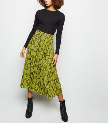Yellow Snake Print Pleated Midi Skirt