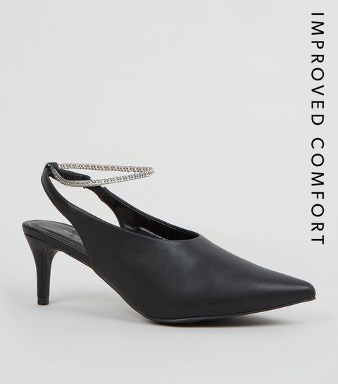 3325b50fc85 ... Chaussures noires en similicuir à bride arrière et à chaîne ...