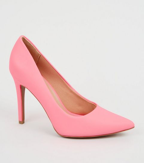 6f4609cc2a2 ... Coral Reflective Pointed Court Shoes ...