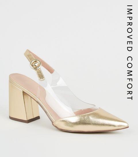 3f5f063a92b22c ... Chaussures dorées pointues à talons évasés et empiècements transparents  ...