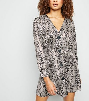 Cameo Rose Light Grey Snake Print Satin Smock Dress
