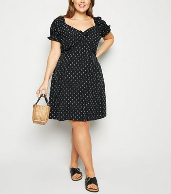 Curves Black Leaf Print Tea Dress