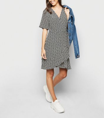 Black Daisy Print Wrap Dress