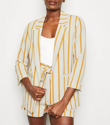 White Stripe Revere Collar Blazer