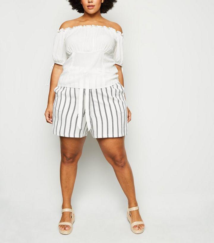 der Verkauf von Schuhen feinste Stoffe speziell für Schuh Curves – Weiße, gestreifte Shorts mit Bindegürtel Für später speichern Von  gespeicherten Artikeln entfernen
