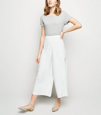 Cream Wide Leg Crop Trousers