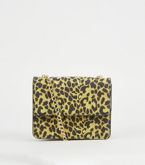 0af2471aa9d9d ... Mini-sac à bandoulière jaune à imprimé léopard ...