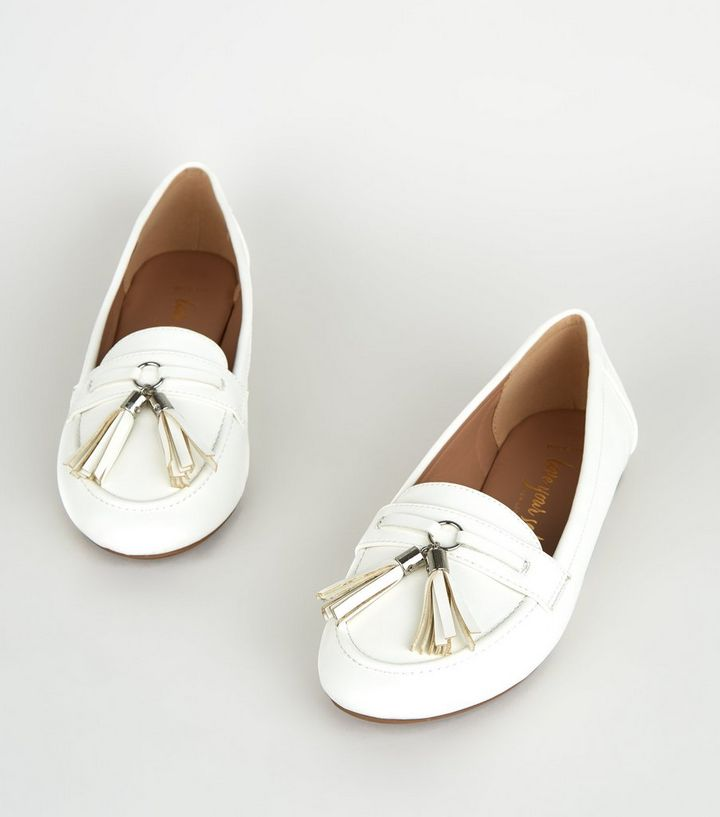 New Look Wide Fit White Tassel Trim Loafer