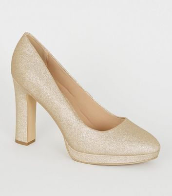Wide Fit – Golden glitzernde Pumps mit Plateausohle