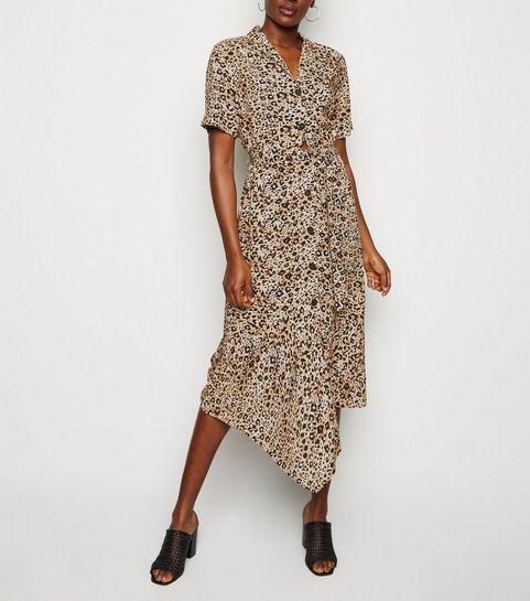 c272610e4fc ... Robe mi-longue marron à imprimé léopard et à ourlet à pointes ...