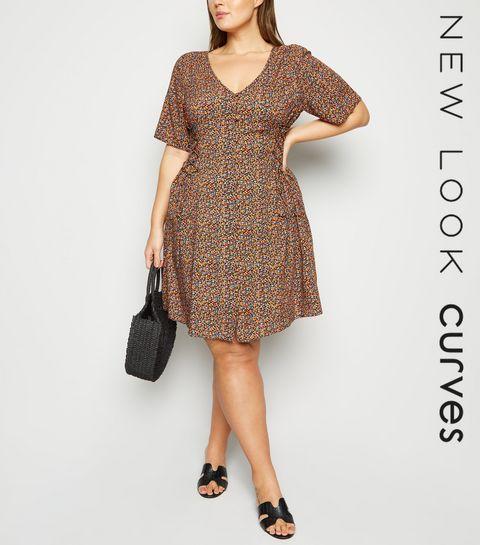 f75fff7ffa3 ... Curves Black Ditsy Floral Button Front Tea Dress ...