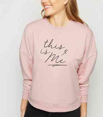 "Pullover mit ""This Is Me""-Slogan in Mittelrosa"