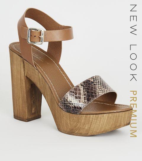 2fe4aae27cd ... Chaussures Premium en cuir ocre imprimé peau de serpent à talons en  bois ...