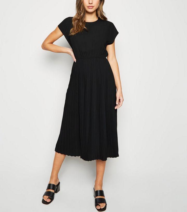 793b7cea59ae Black Cap Sleeve Pleated Midi Dress   New Look