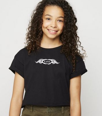 "Girls – Schwarzes T-Shirt mit ""K Bye""-Tattoo-Slogan"
