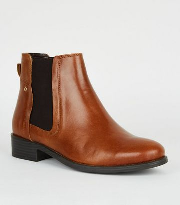 Tan Leather Flat Chelsea Boots