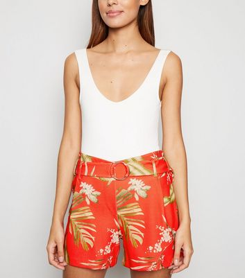 Cameo Rose Red Tropical Belted Shorts by New Look