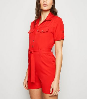 Cameo Rose – Roter Utility-Playsuit