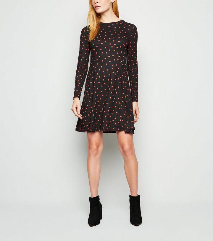 Robe Patineuse Noire A Imprime Pois Et Manches Longues New Look