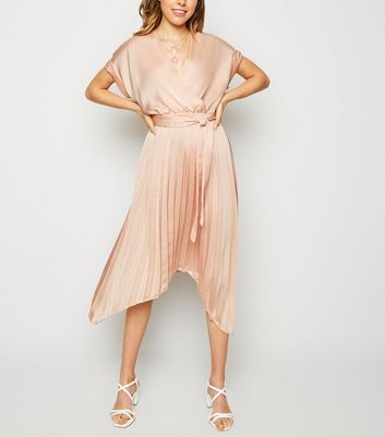 Cameo Rose Pale Pink Satin Pleated Midi Dress