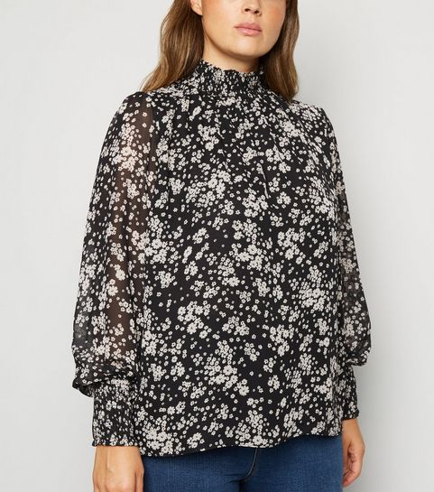 ca255cb2204 Plus Size Tops | Plus Size Blouses & Shirts | New Look