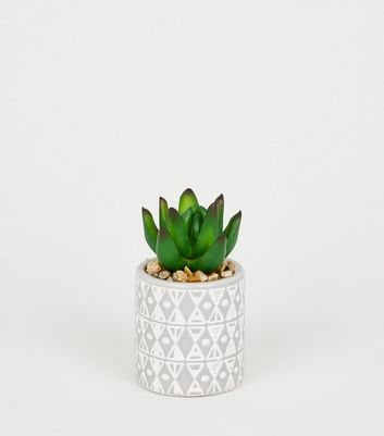 grey triangle embossed planter new look