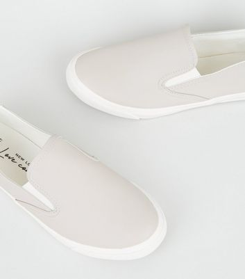 Mit was kann man Graue Slip On Sneakers für Damen