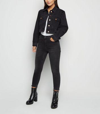 Petite Black Crop Denim Jacket   New Look
