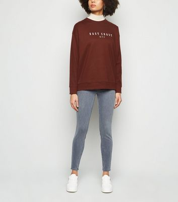 Sweat rouge brique à slogan East Coast NYC Ajouter à la Wishlist Supprimer de la Wishlist