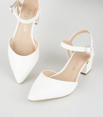 Clothes stores – Low heel shoes for women