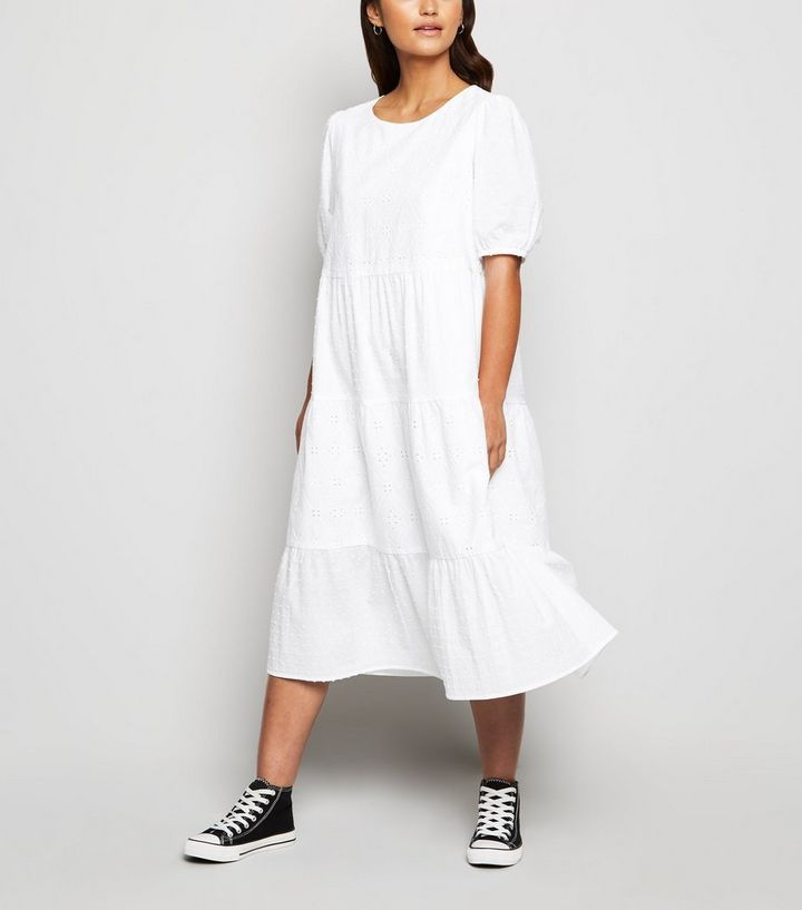 Petite Robe Mi Longue Blanche En Broderie Anglaise A Manches Bouffantes New Look