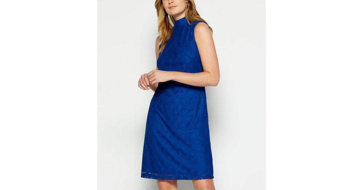 Mit spitze schuhe blaues kleid welche Welche Farbe