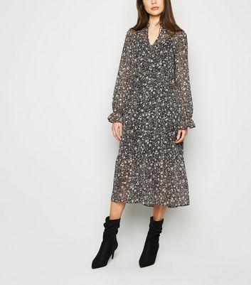 Robe blouse mi longue noire à imprimé floral et à manches longues Ajouter à la Wishlist Supprimer de la Wishlist