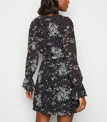 Urban Bliss Black Ditsy Floral Mini Dress New Look