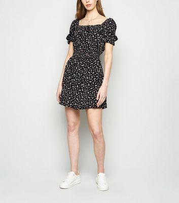 AX Paris Black Ditsy Floral Puff Sleeve Dress New Look